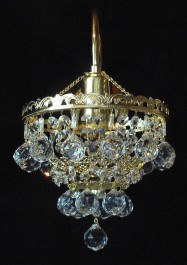 1 Arm crystal wall light with metal arm & cut crystal balls - Glossy brass
