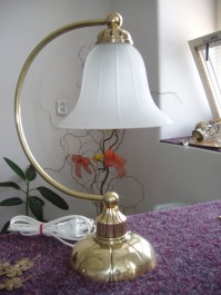 1 Bulb Cast brass table lamp with sand blasted glass lampshade