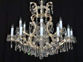 The 18 flames Maria Theresa chandelier - standard gold design