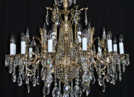 Detail if the chandelier