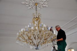 Washing bigger Theresian chandelier - Museum Choceň Czech Republic
