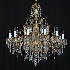 The 16 arms Cast brass crystal chandelier with the Srass basket & Crystal spikes