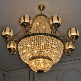 8-arm large residential strass chandelier with cast brass leaves on sandblasted glass