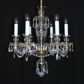 The hand blown and hand cut chandeliers - the original style of Kamenicky Senov