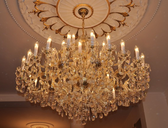 Maria Theresa chandelier 40 candle bulbs