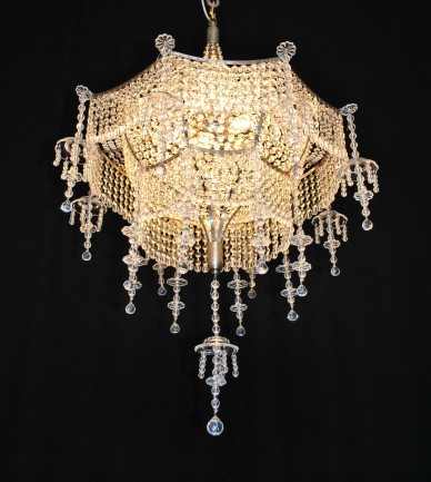 Luxurious Strass chandeliers & wall lights in Asian style