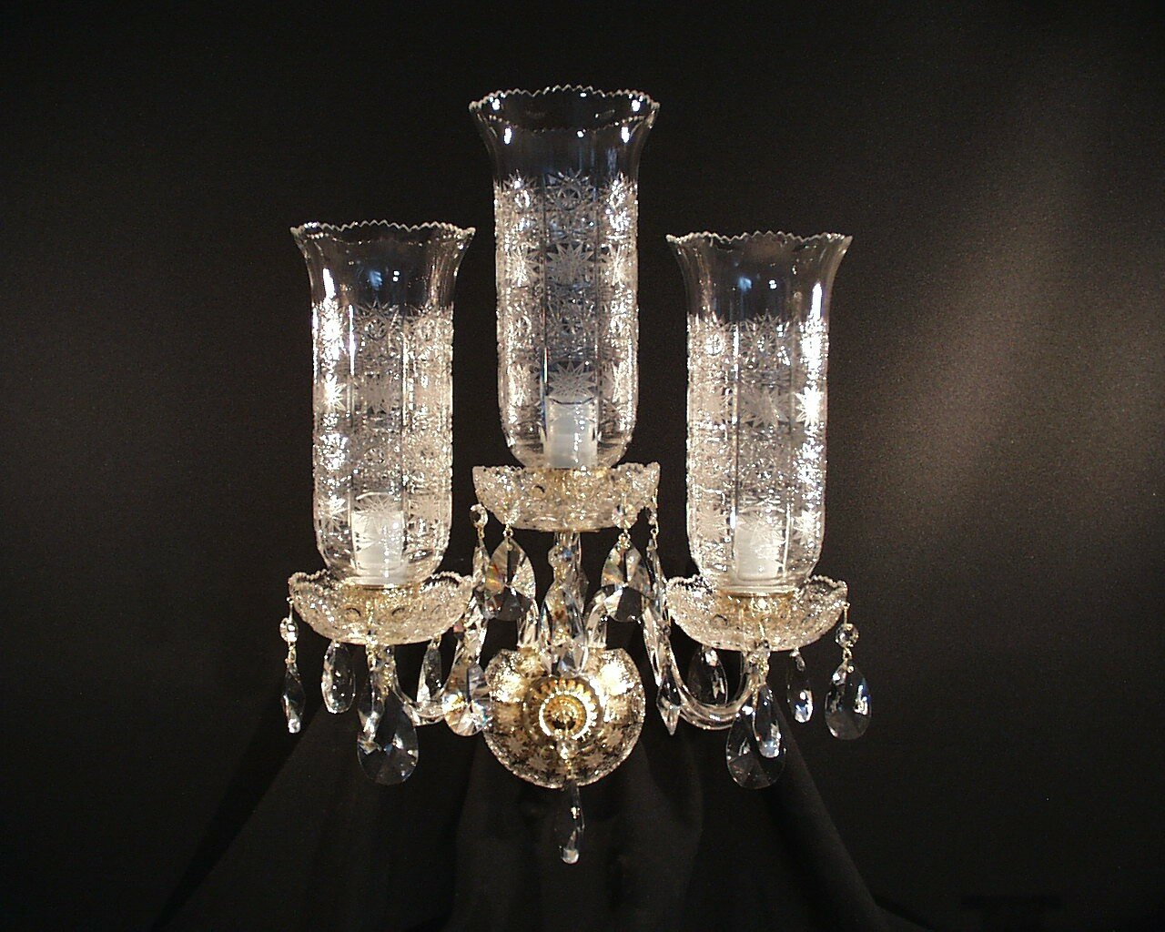 Crystal wall light with cut vases PK500 lace hand cut